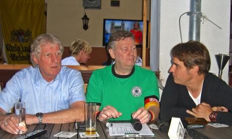 Erich Rutemöller, Ralf Friedrichs und Marco Wiefel diskutieren